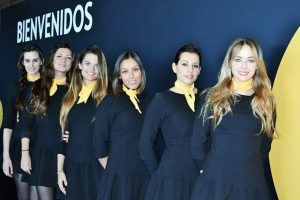 opel chicas